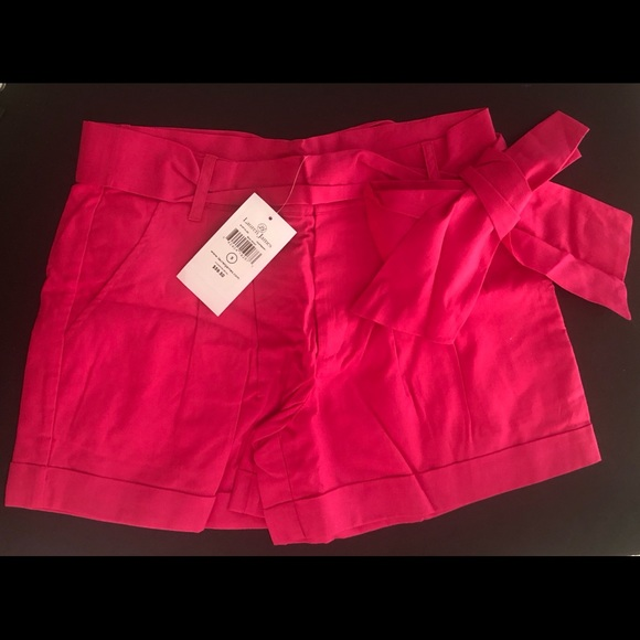 Lauren James Pants - Lauren James NWT Bow Shorts- Small